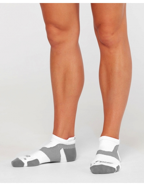 Kompresní ponožky 2XU VECTR LIGHT CUSHION NO SHOW SOCKS
